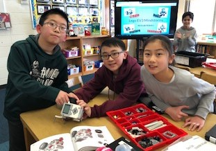 The Lego Mindstorms Driving Challenge!  Grade 5 Students Go To Driving School!