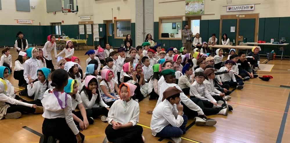 Fourth grade is dressed for Colonial Day
